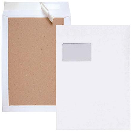 Versandtasche mit Papprückwande in Vorder- und Rückansicht