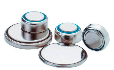 Knopfzellen unterschiedlicher Größen unverpackt