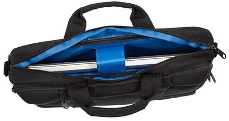 Geöffnete Laptoptasche mit sichtbarem Feststellband
