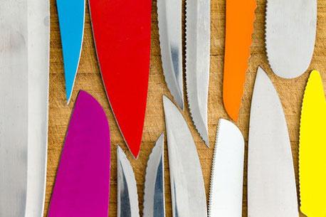 Messerklingen aus unterschiedlichen Materialien