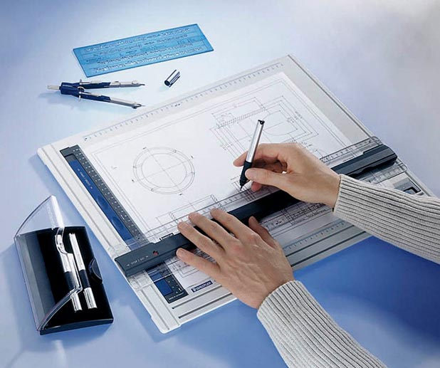 Plan zeichnen auf einer Zeichenplatte