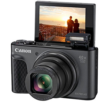 Mittelklasse Digitalkamera mit ausklappbarem Display