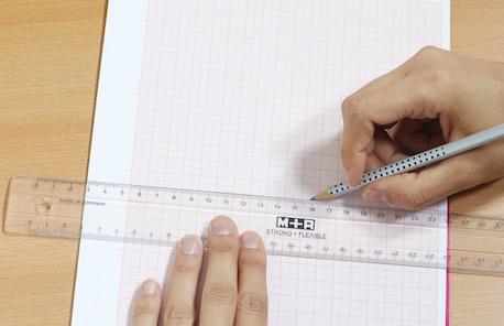 Linien zeichnen mit Lineal
