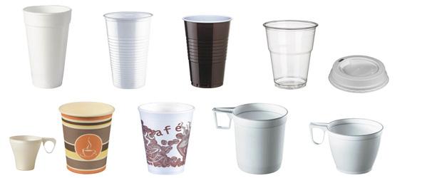 Verschiedene Arten von Tassen und Becher